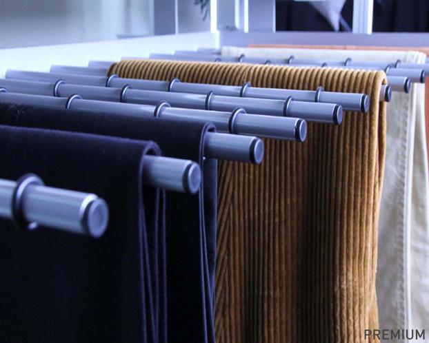 Ausziehbarer Hosenhalter für Ankleidezimmer