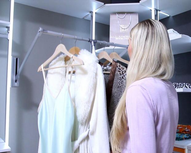 Kleiderlift für begehbaren Kleiderschrank