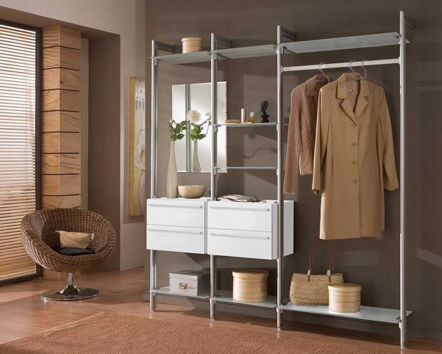 Die offene Garderobe CLARA ist eine stylische Ergänzung für Ihren Eingangsbereich
